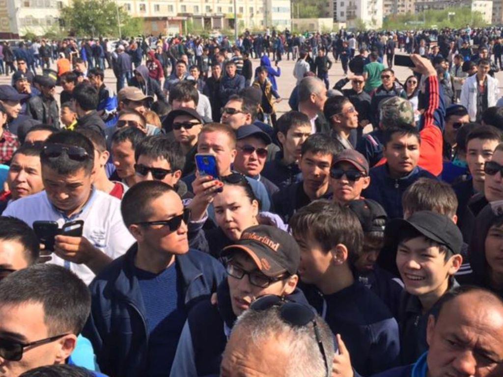 مخالفان نظربایف در قزاقستان تظاهرات کردند