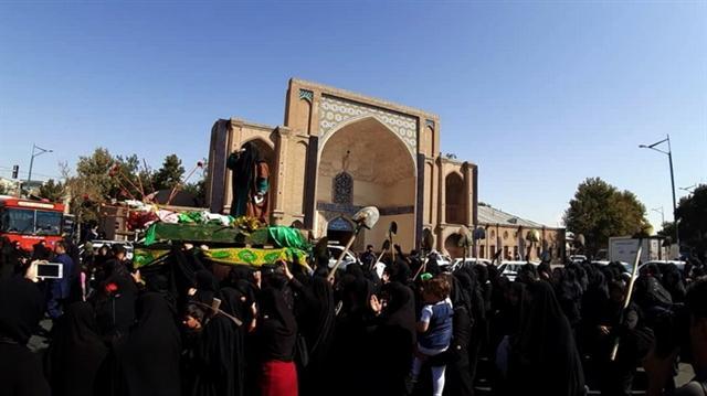 مراسم آیینی سوگواری زنان طایفه بنی اسد در قزوین برگزار گردید