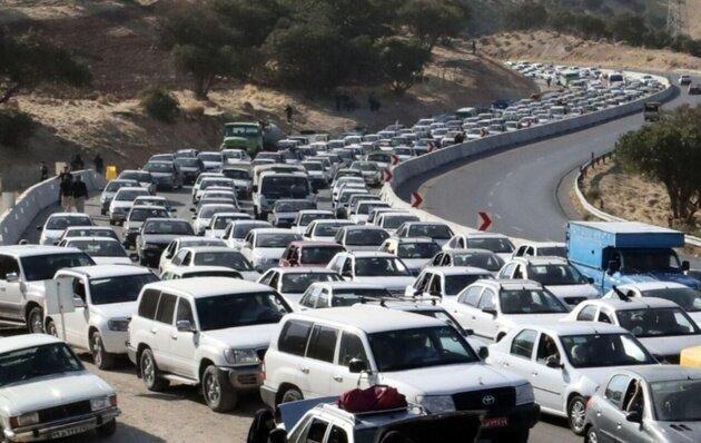 آغاز موج بازگشت زائران اربعین ، افزایش 30 برابری ترافیک محورهای کرمانشاه