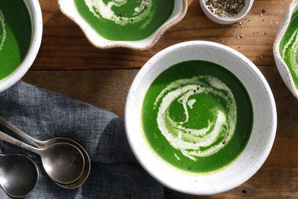 طرز تهیه سوپ پاییزی اسفناج و نخودفرنگی