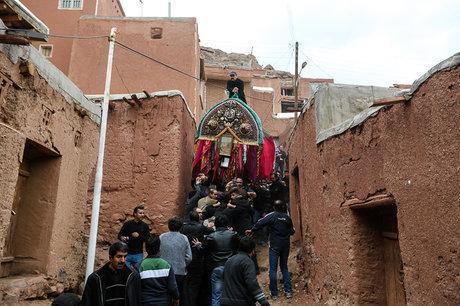 سالانه دو میلیون و 500 هزار گردشگری مذهبی وارد کشور می گردد