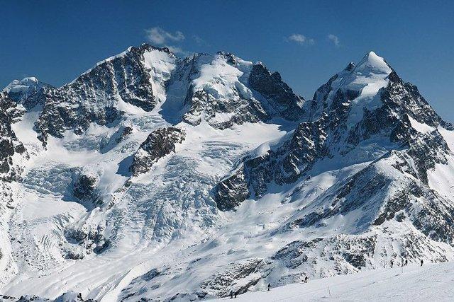 ریزش بهمن در شمشک و محبوس شدن 4 کوهنورد