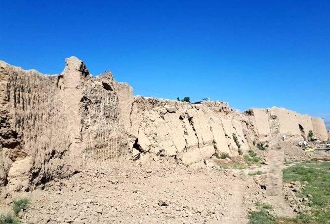 تخریب بزرگترین بنای خشتی ایران بعد از ارگ بم در دامغان!