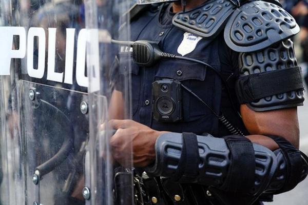 کشته شدن یک شهروند سیاه پوست به دست پلیس آمریکا