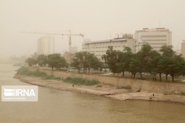 خبرنگاران هواشناسی خوزستان نسبت به ورود توده گرد وغبار به خوزستان هشدار داد