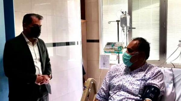 جلسه احمد مددی روی تخت بیمارستان