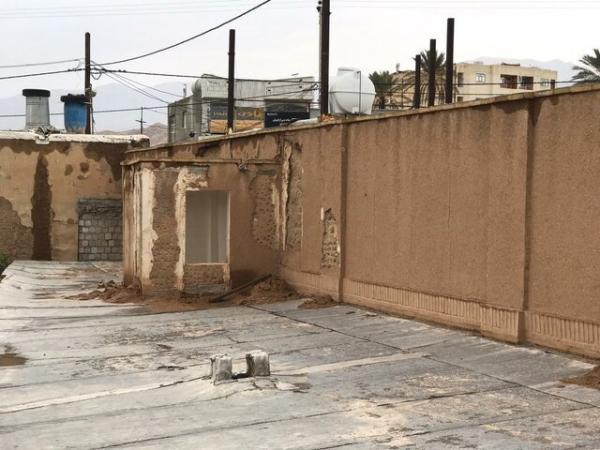 حمام تاریخی مشیر داراب را بازسازی تخریب می نماید یا باران؟